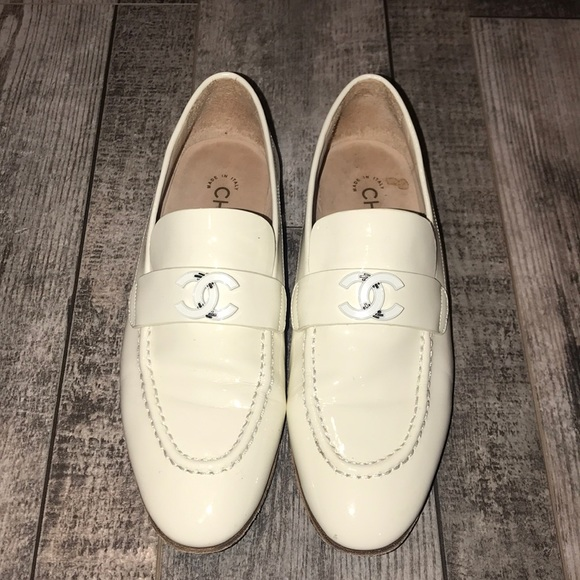 Chanel Patent Calfskin Cc Loafers 37